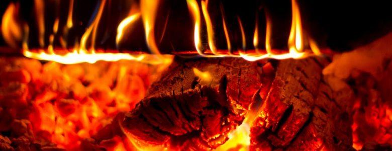 palące się drewno
